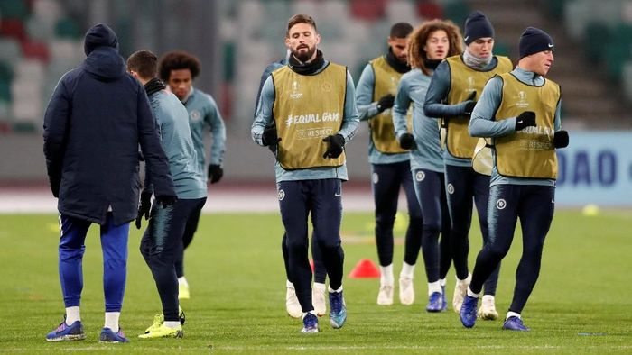 Chelsea berlatih jelang menghadapi BATE Borisov di matchday 4 Liga Europa dini hari nanti. (Foto: Vasily Fedosenko/Reuters)
