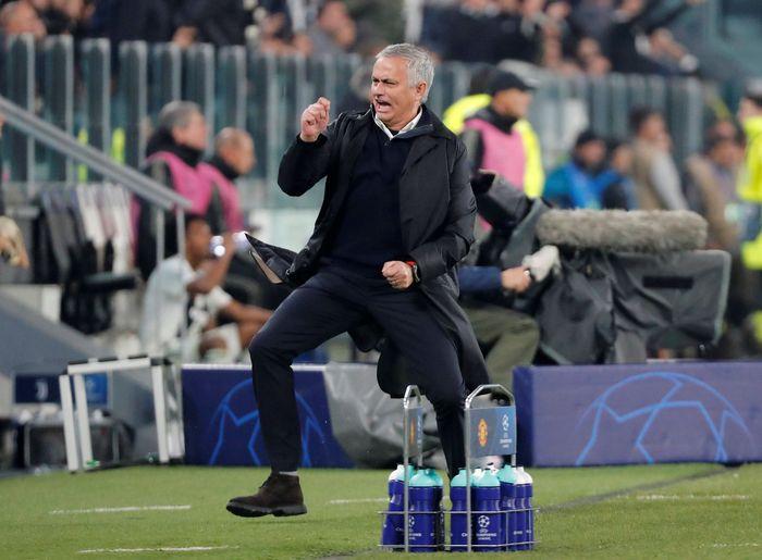 Di Juventus Stadium, Jose Mourinho dan Manchester United pantas berpesta. Mereka membawa pulang kemenangan 2-1 setelah tertinggal lebih dulu (REUTERS/Stefano Rellandini)