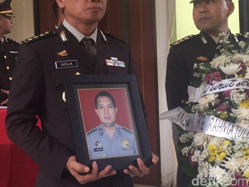 Polri Beri Penghormatan Terakhir untuk AKBP Sekar Korban Lion Air