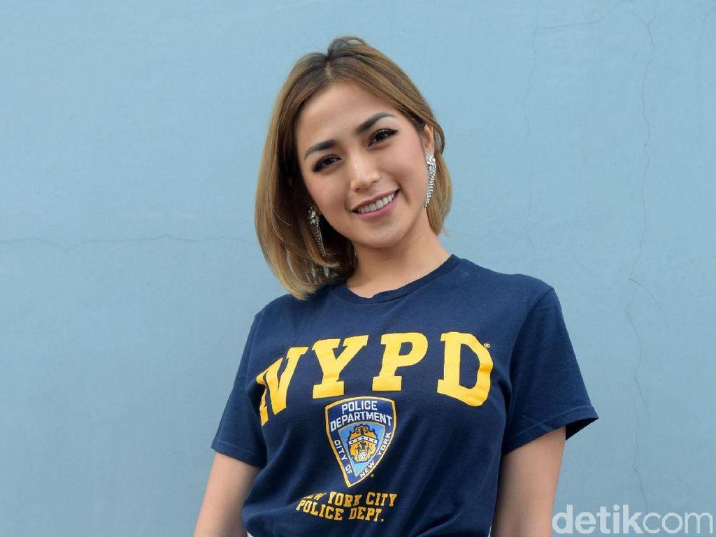 Jessica Iskandar Posting Jual Mobil, Netter: Jadi Agen Sekarang?