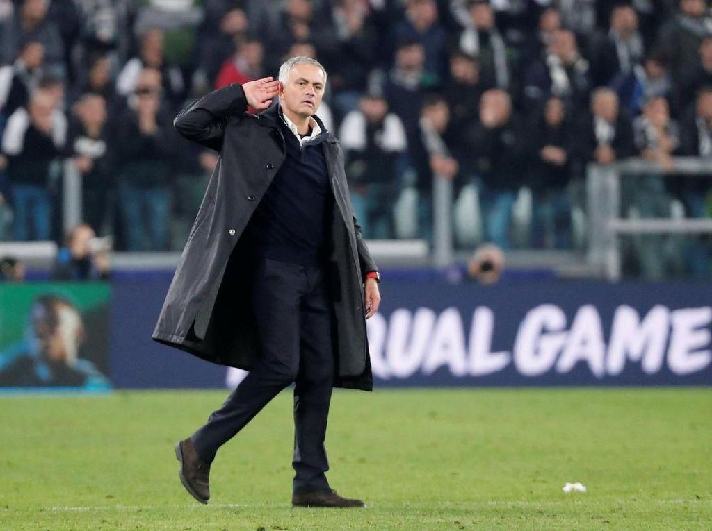 Scholes Kritik Aksi Tak Berkelas Mourinho di Turin