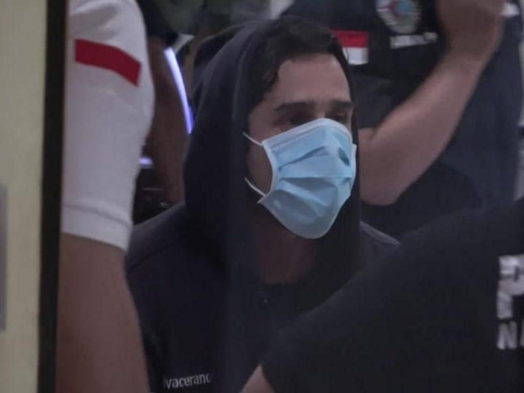 Selebriti Ditangkap karena Narkoba Lagi, Kali Ini Claudio Martinez