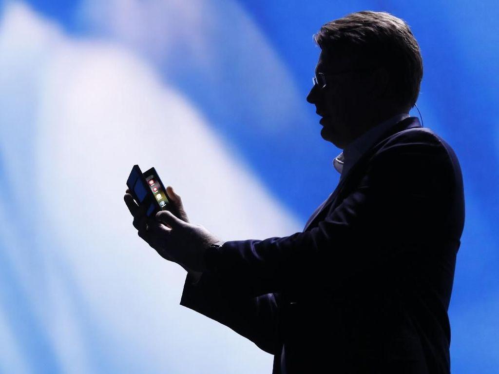 Peluncuran Galaxy S10 Diramaikan Ponsel Layar Lipat Samsung