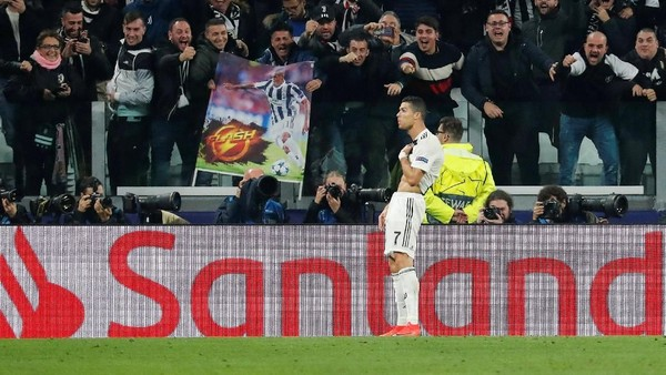 Ronaldo, Perayaan Golnya Kok Gitu?