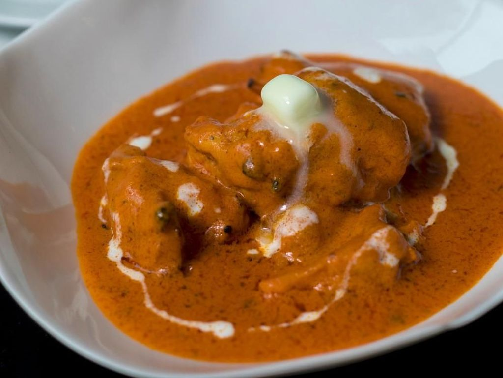 Perayaan Diwali Makin Lengkap dengan Papadum dan Butter Chicken