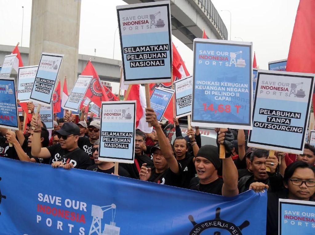 Ratusan Pekerja Serukan Selamatkan Pelabuhan Nasional