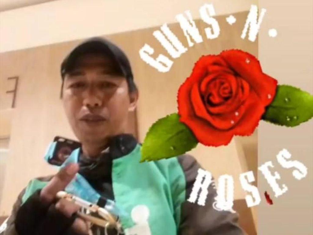 Dapat Tiket Konser GNR Gratis, Driver Ojek Online Incar Pick Gitar Slash