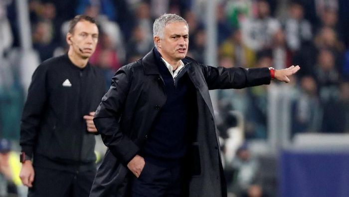 Manajer MU Jose Mourinho (REUTERS/Stefano Rellandini)