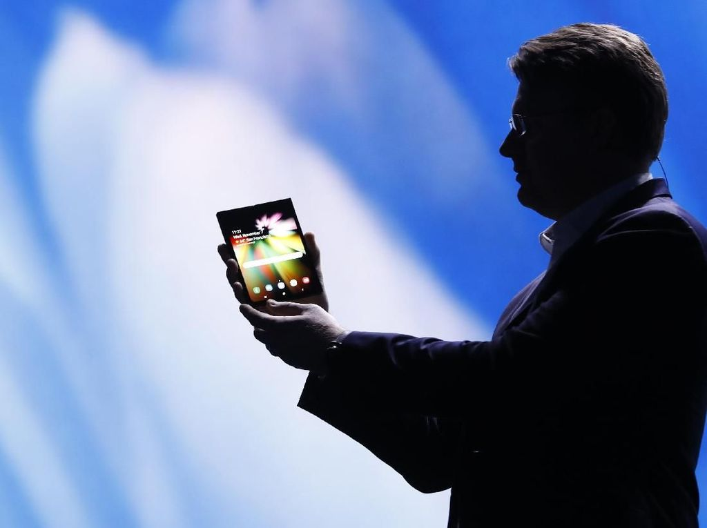 Penampakan Ponsel Layar Lipat Samsung