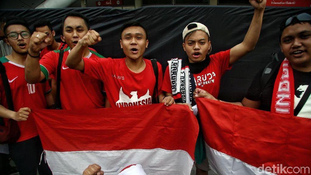 Antusiasme Suporter Indonesia Dukung Timnas Garuda