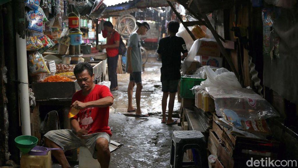 Bakal Direvitalisasi, Begini Aktivitas di Pasar Kebon Melati