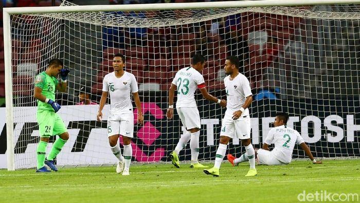 Timnas Indonesia menelan kekalahan dari Singapura di pertandingan pertama Piala AFF 2018 (Pradita Utama/detikSport)