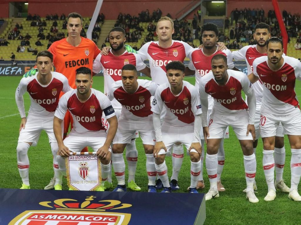 AS Monaco Tenggelam, Kian Dalam
