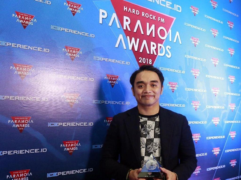 Dipha Barus Jadi DJ of The Year di Paranoia Awards 2018