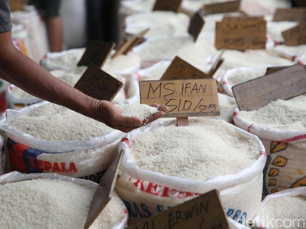 Beras Premium Banyak di Pasar Cipinang, Medium Menipis