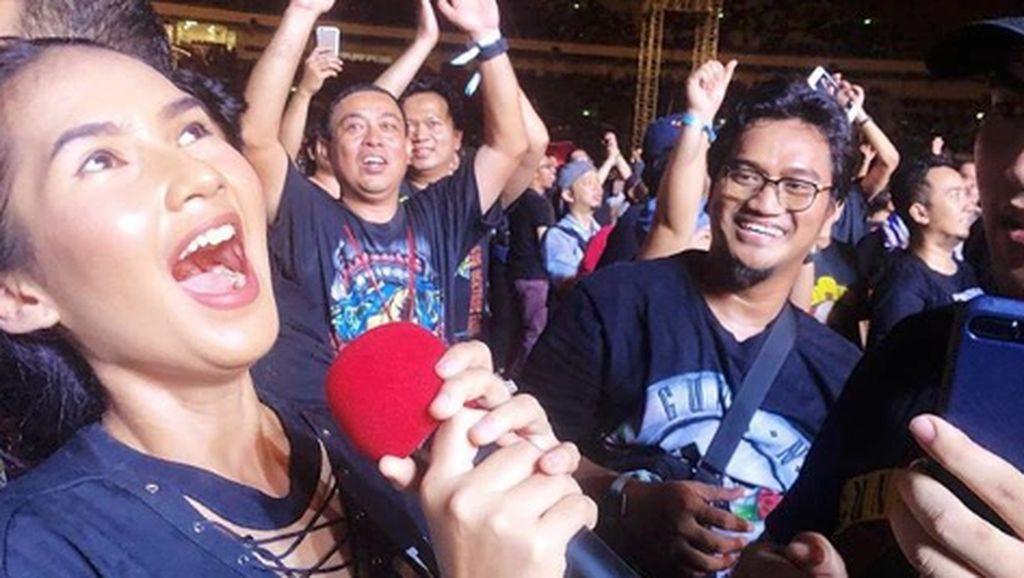 Perjuangan Soraya Rasyid Nonton Konser Guns N Roses