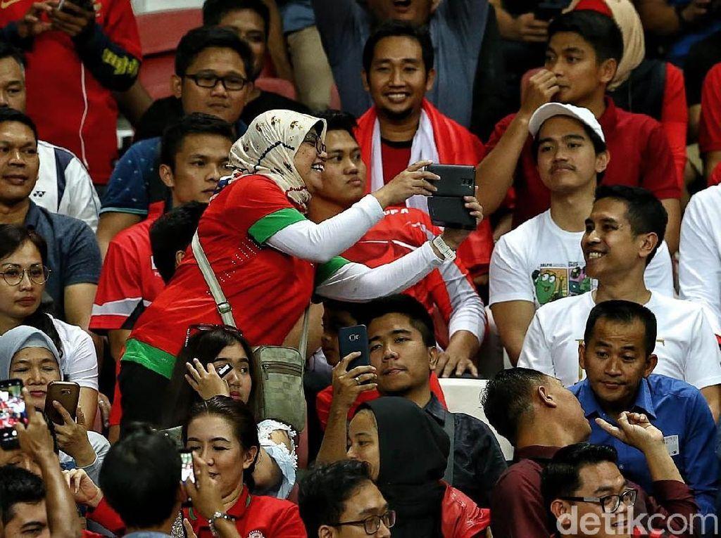 Kaesang Curi Perhatian di Laga Indonesia vs Singapura
