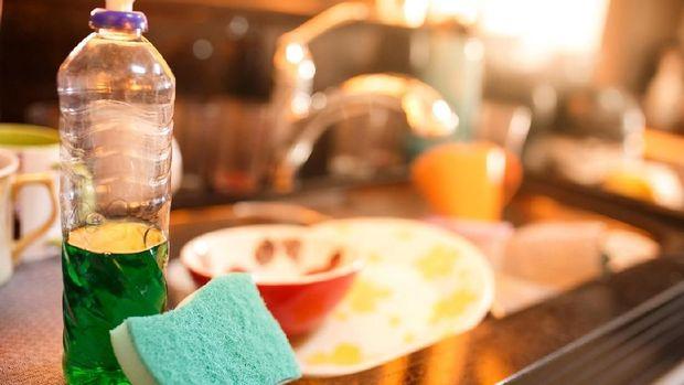 ilustrasi sabun cuci piring/