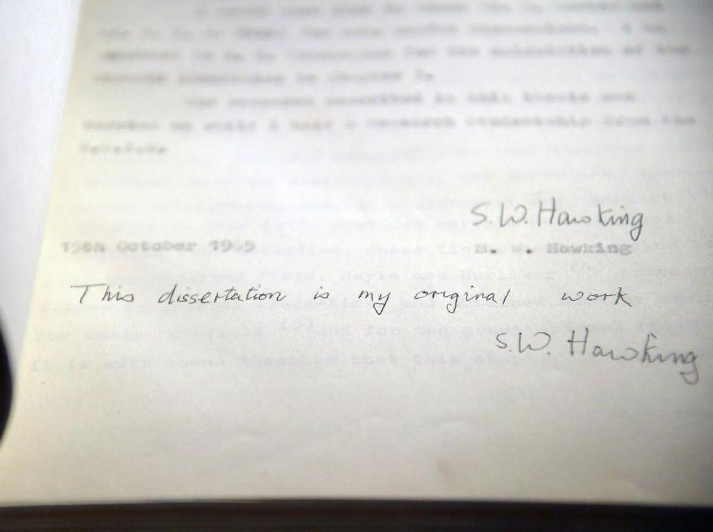 Dilelang, Barang Peninggalan Stephen Hawking Ini Laku Rp 11 M