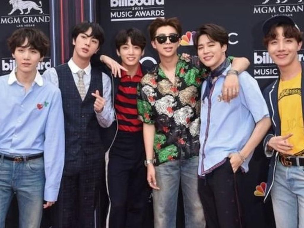 BTS Batal Tampil di Jepang Gara-gara Kaus yang Dipakai Jimin