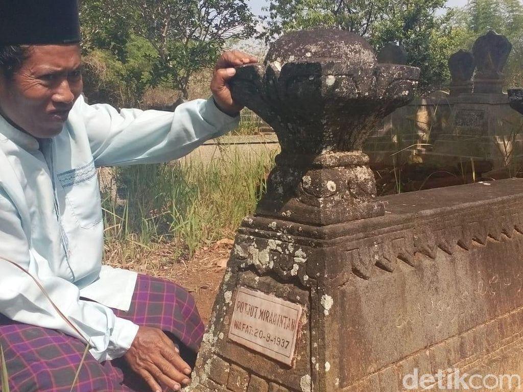 Makam Pahlawan Nasional Potjut Mirah Intan Tak Terawat di Blora