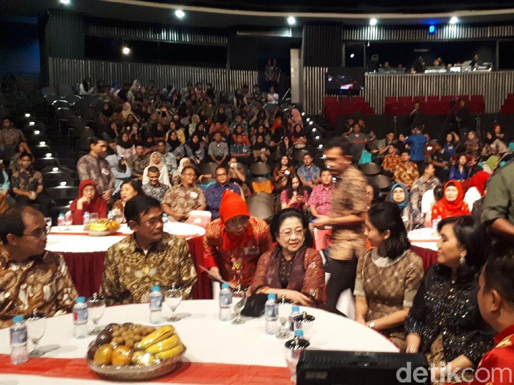 Megawati Hadiri Anugerah Lifetime Achievement Purna Paskibraka
