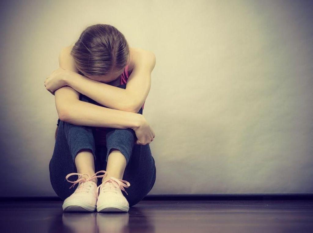 Mendengar Sesuatu Belum Tentu Skizofrenia, Bisa Jadi Cuma Stres Biasa