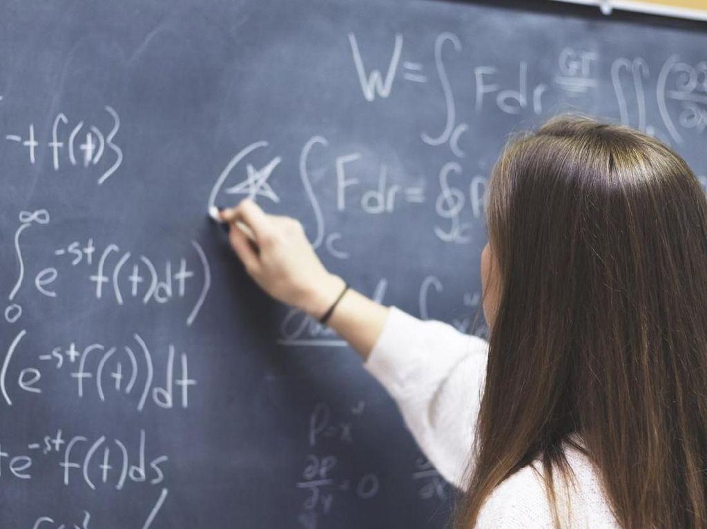 Matematika Selalu Bikin Pusing, Penting Nggak Sih Dipelajari?