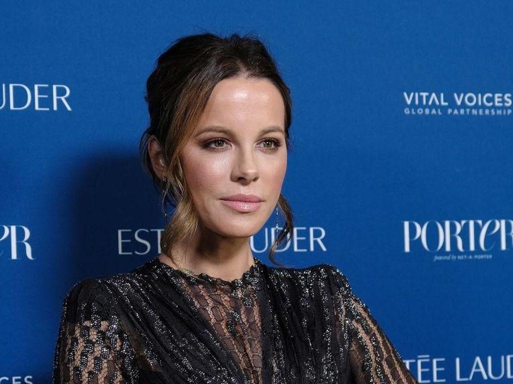 Kate Beckinsale 2 Tahun Tak Temui Putrinya Akibat Pandemi