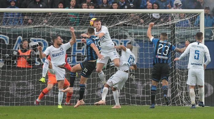 Inter Milan tumbang di markas Atalanta. (Foto: Emilio Andreoli/Getty Images)