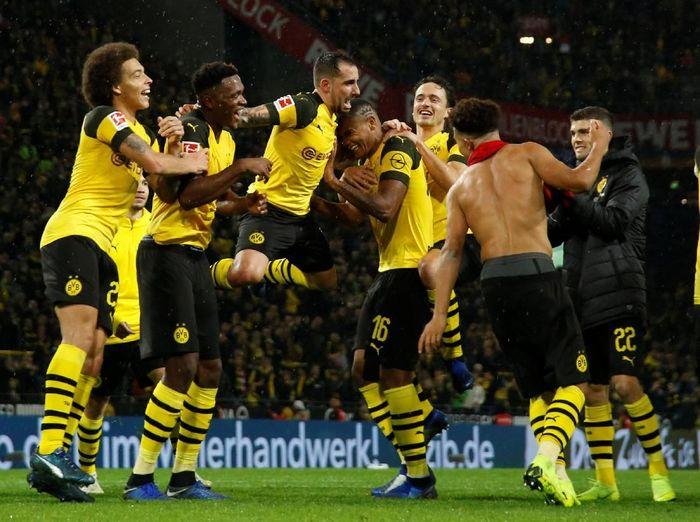 Borussia Dortmund tak mau lengah meski unggul tujuh poin atas Bayern Munich (Leon Kuegeler/Reuters)