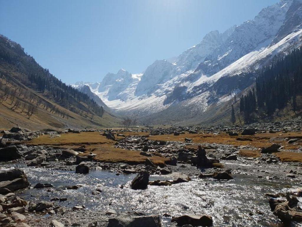 Jelajah Golden Triangle & Kashmir di India, Seru Banget!