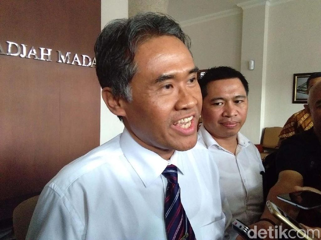 Dipanggil ORI DIY, Rektor Bantah Masukkan HS ke Daftar Wisuda UGM