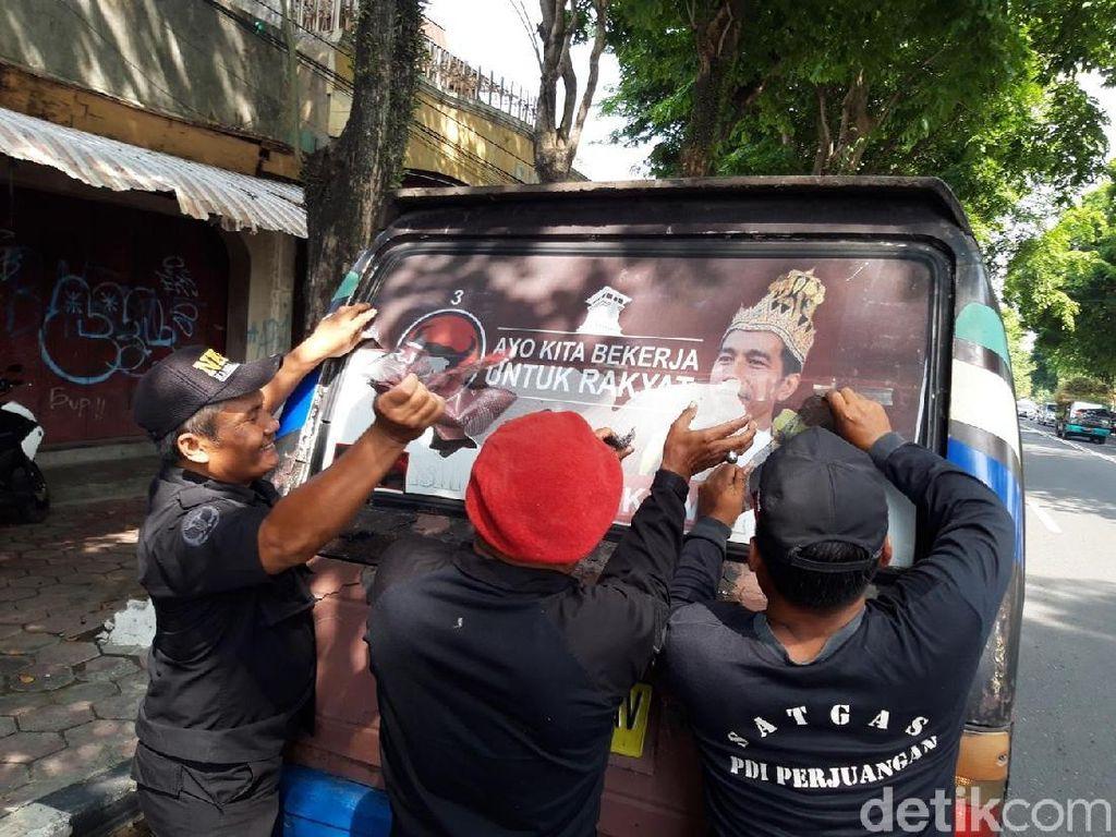 PDIP: Poster Raja Jokowi Jurus Baru Black Campaign