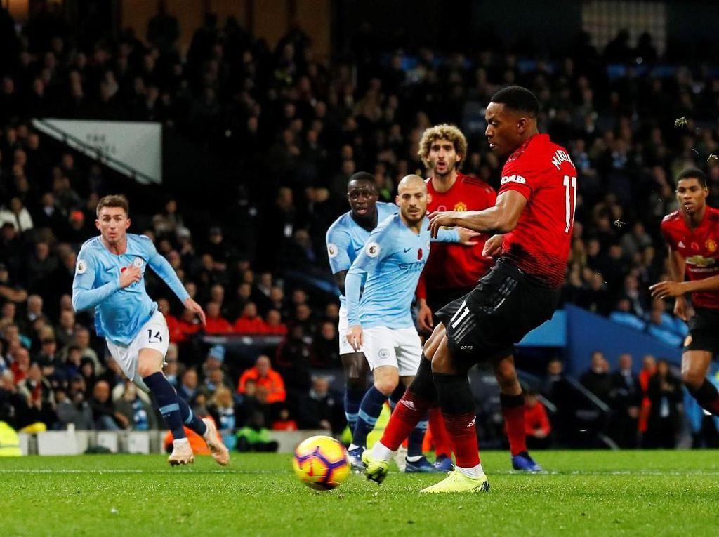 Taktik Bertahan Mourinho Menghambat Martial dan Rashford