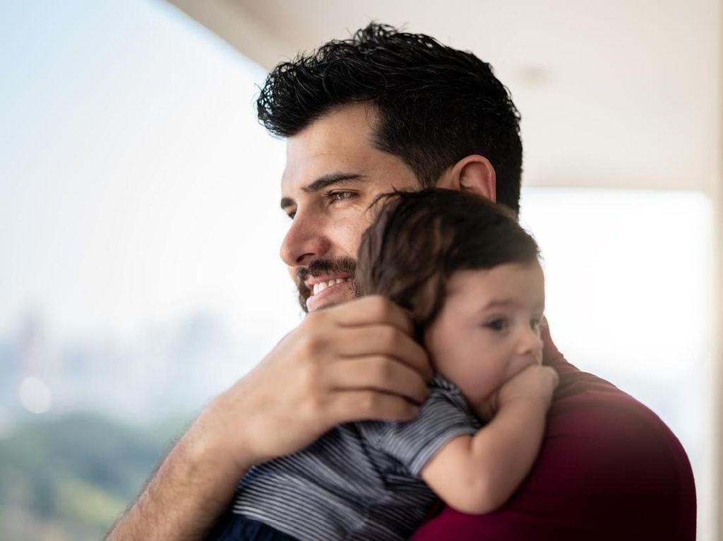 Bukan Hanya Ibu, Ayah Juga Bisa Stres Saat Anak Baru Lahir