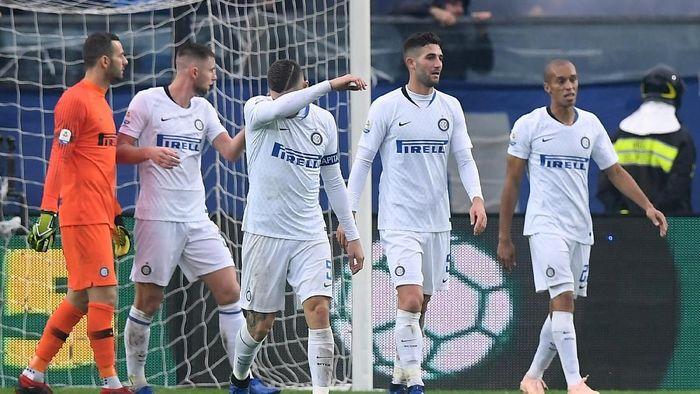 Di Serie A pada tujuh pertandingan terakhirnya, Inter Milan selalu menang. Tapi rentetan itu putus saat mereka bertamu ke Atalanta. Inter menelan kekalahan telak 1-4 (REUTERS/Alberto Lingria)