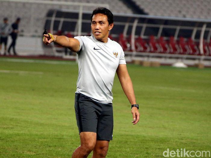 Pelatih timnas Indonesia, Bima Sakti. (Foto: Rengga Sancaya/detikcom)