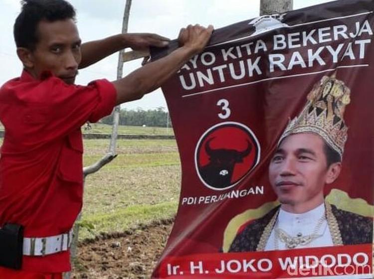 PDIP Solo Sisir Jalanan Cari dan Siap Lucuti Poster Raja Jokowi