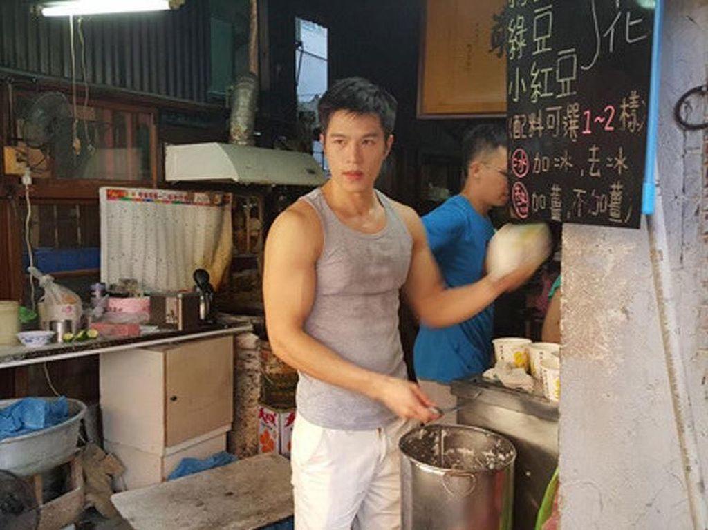 Yuk Kenalan dengan Penjual Tahu Hingga Sayur yang Ganteng!
