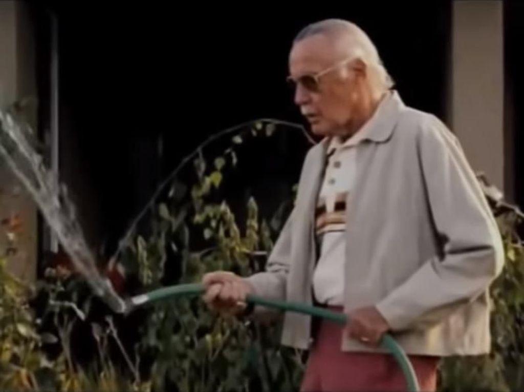 Tak Bisa Nonton, Stan Lee Sudah Tahu Jalan Cerita Avengers: Endgame