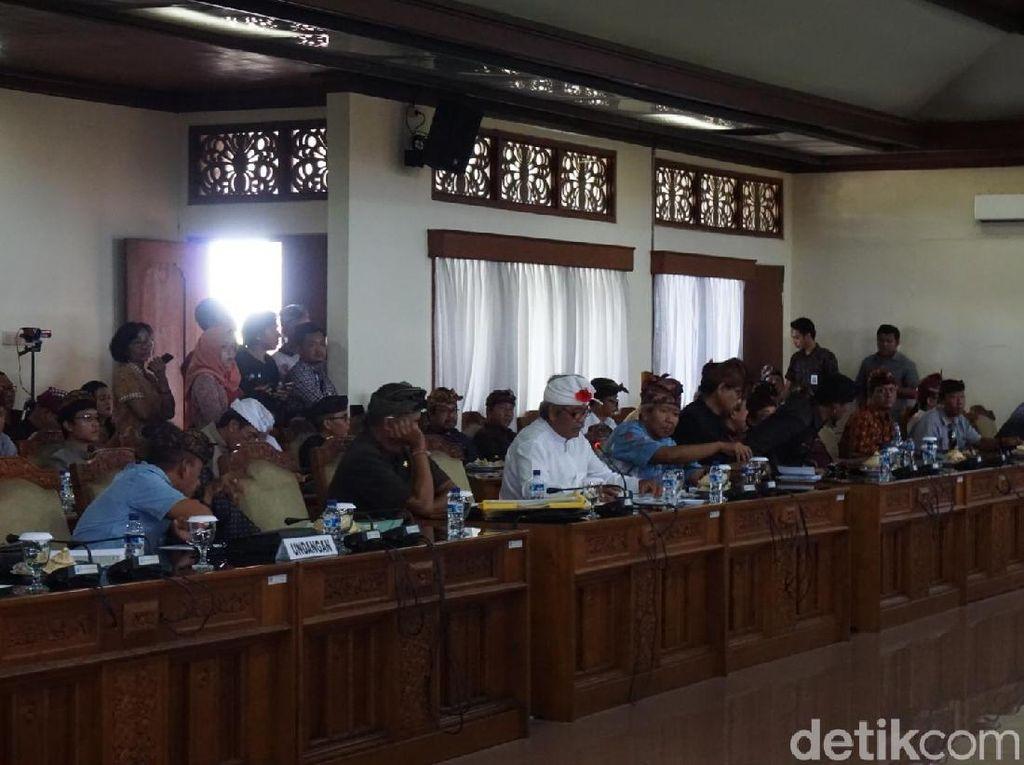 DPRD Bali: Retribusi di Desa Diurus Secara Adat