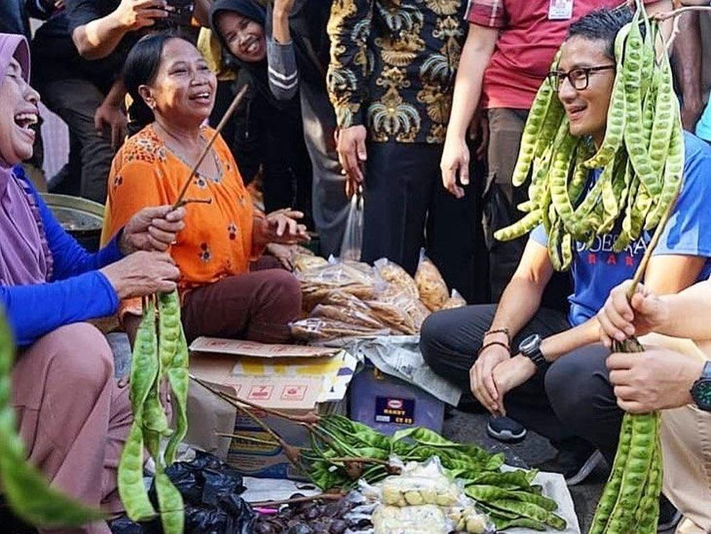 7 Aksi Sandiaga Saat ke Pasar hingga Kulineran di Berbagai Kota