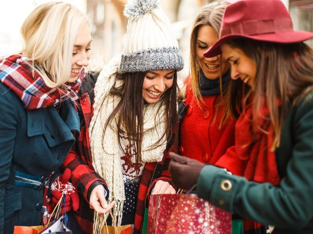 Wanita Rata-rata Hanya Punya 6 Sahabat Sepanjang Hidupnya