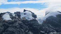 Taman Nasional Lorentz & Es Abadi Indonesia yang Mau Hilang