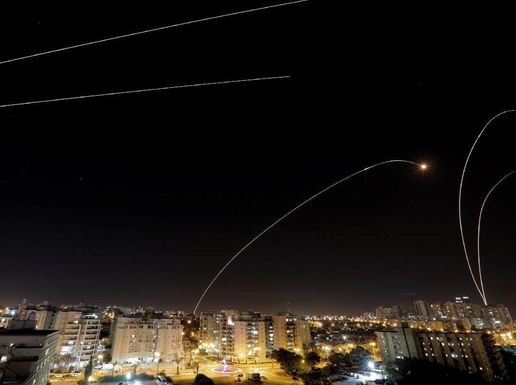 Penampakan Serangan Udara di Langit Israel-Palestina