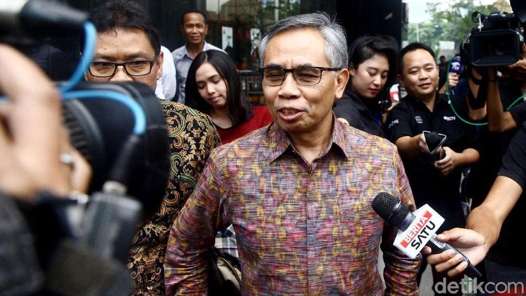 Ketua OJK Wimboh Santoso Diperiksa KPK Terkait Kasus Bank Century