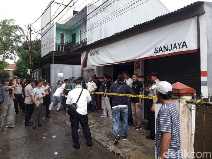 Polisi Masih Kumpulkan Petunjuk Buru Pembunuh Sekeluarga di Bekasi