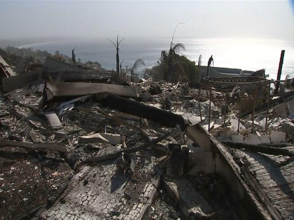 Kompleks Artis Hollywood Hancur Usai Dilahap Api