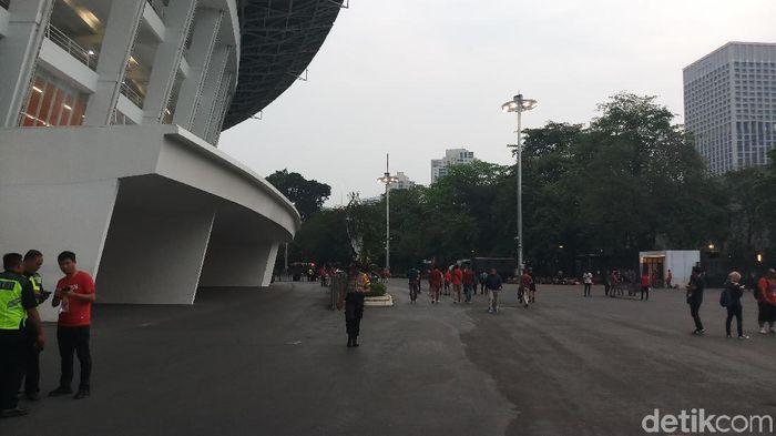 Stadion Utama Gelora Bung Karno (SUGBK) masih sepi penonton menjelang laga Indonesia dengan Timor Leste. (Yanu Arifin/detikSport)